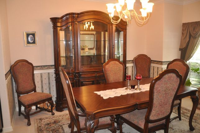 Pulaski Dining Set. Pulaski Dining Sale Room Furniture Includes Table With  Leaf Four Side Chairs